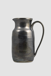 Pitcher, Metal